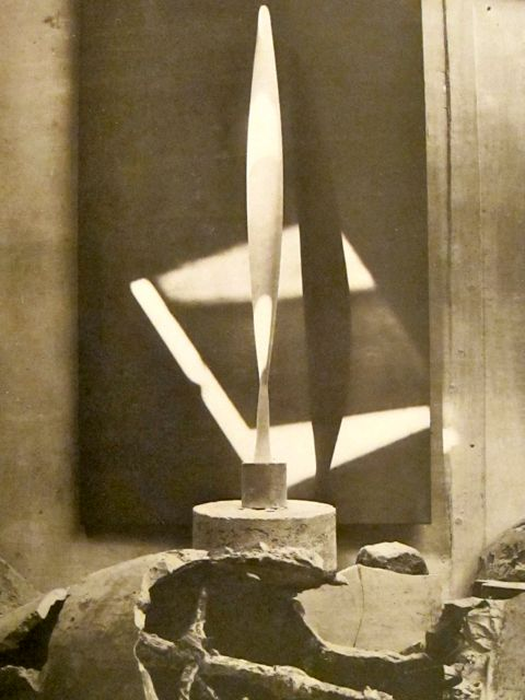 Brancusi - Bird in Space - 1928