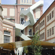 Liste is de beurs in Basel voor jonge galeriesen steeds meer de galeries die al even niet meer de jongste zijn, maar qua programma toch het meeste bij Liste thuishoren. […]