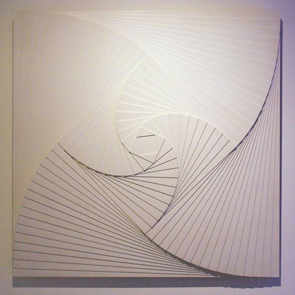 Ad Dekkers - Verschoven Kwadraten - 120x120x8cm, Witte verf en kunsthars op hout 1965
