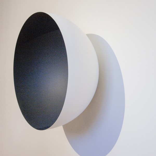Anish Kapoor - Monochrome (Grey) 98x90x47cm Hars en verf
