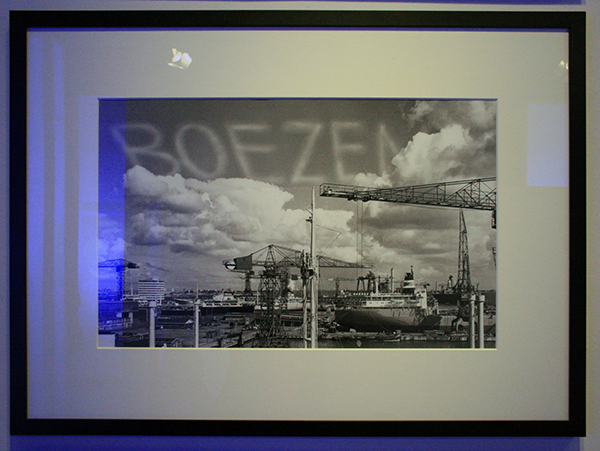 Marinus Boezem - Siging the Sky Above the Port of Amsterdam - 52x82cm Foto 1969