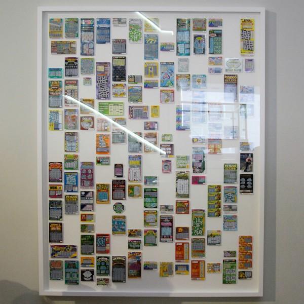 Ryan Gander - Set Out Your Stall - 218x170cm 135 verliezende krasloten met ruimte voor de winnende kaarten waarop geldprijzen zijn gevallen